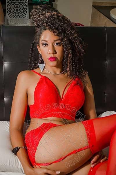 Amanda  COMO 3248139610