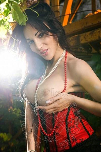 Lory Misscurvy Massaggiatrice Italiana  LECCE 3283029812